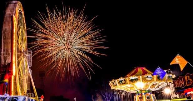 Perth-Royal-Show-Fireworks-2014-a.